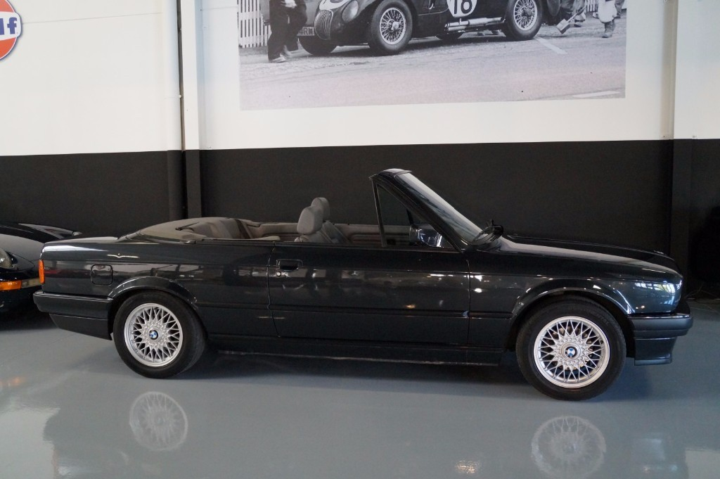 Buy this BMW 3-SERIE 1990  at Legendary Classics (2)