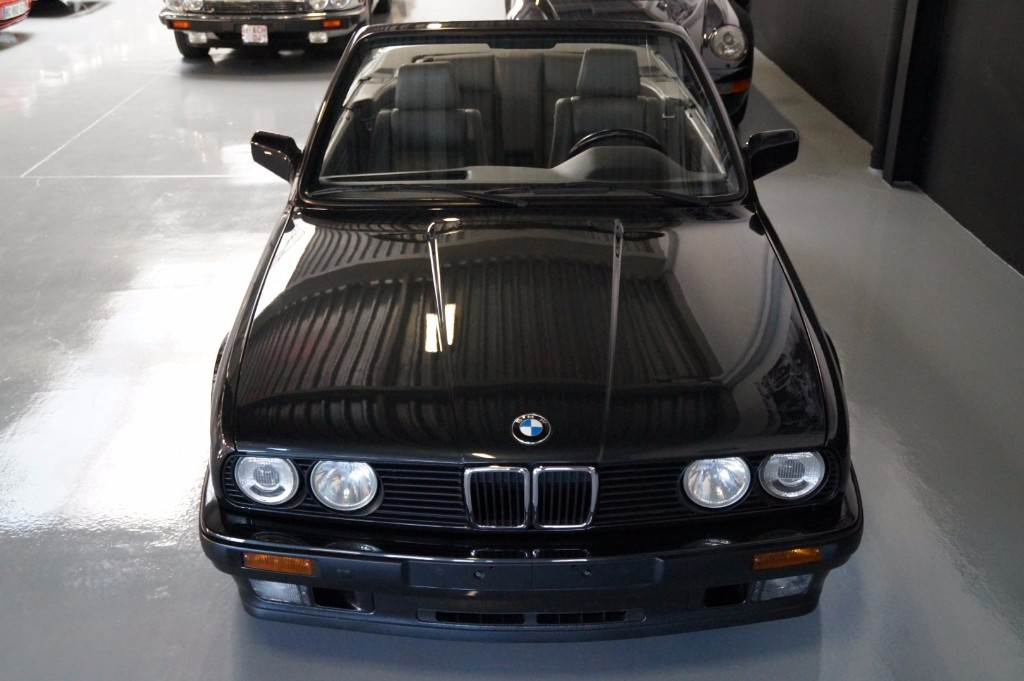 Buy this BMW 3-SERIE 1990  at Legendary Classics (17)