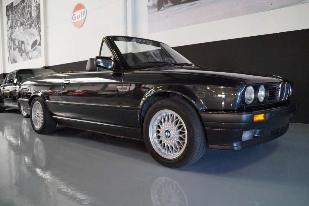 Buy this BMW 3-SERIE 1990  at Legendary Classics (18)