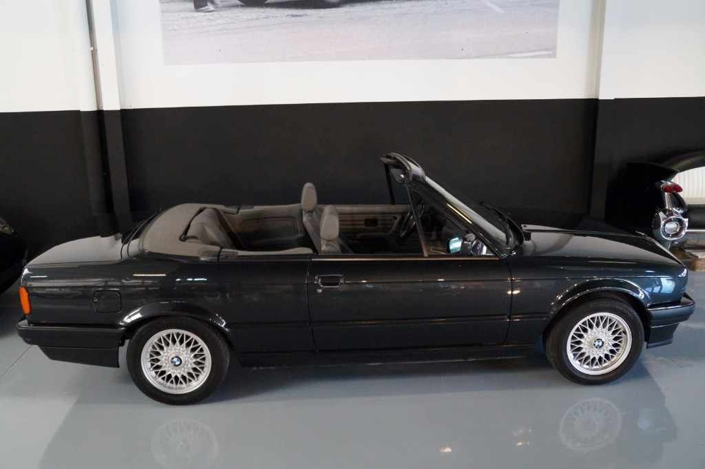 Buy this BMW 3-SERIE 1990  at Legendary Classics (19)