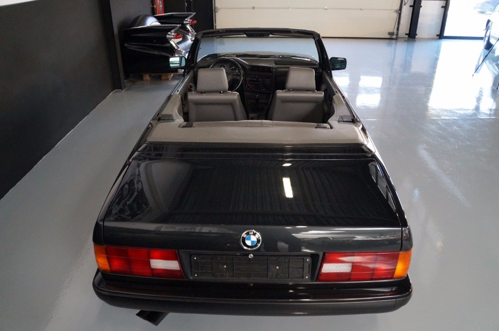 Buy this BMW 3-SERIE 1990  at Legendary Classics (20)