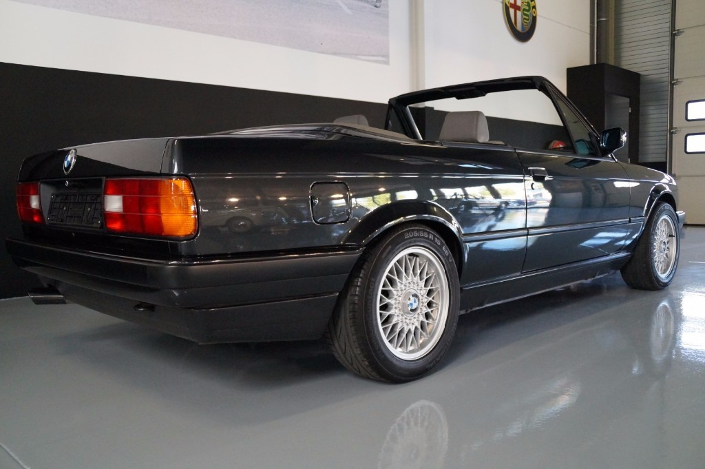 Buy this BMW 3-SERIE 1990  at Legendary Classics (3)