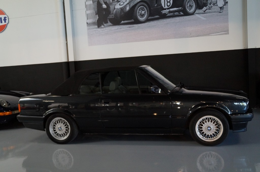 Buy this BMW 3-SERIE 1990  at Legendary Classics (30)