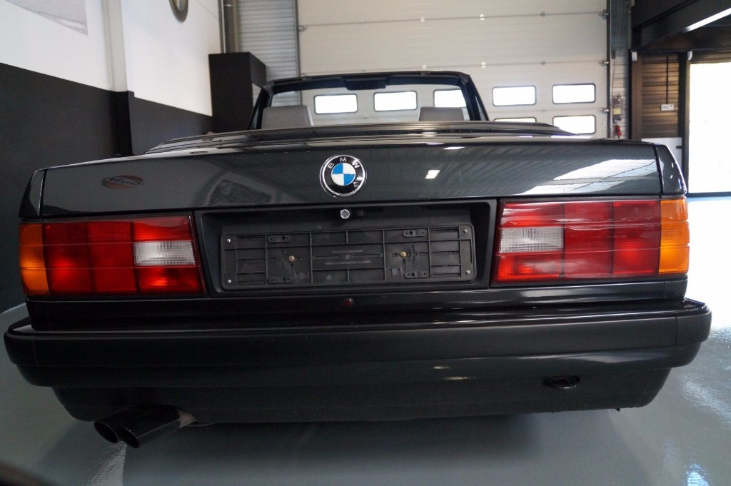 Buy this BMW 3-SERIE 1990  at Legendary Classics (4)