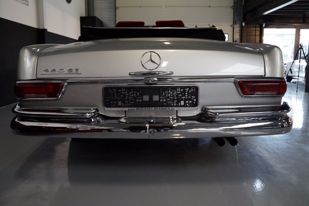 Buy this MERCEDES-BENZ 250 1967  at Legendary Classics (5)
