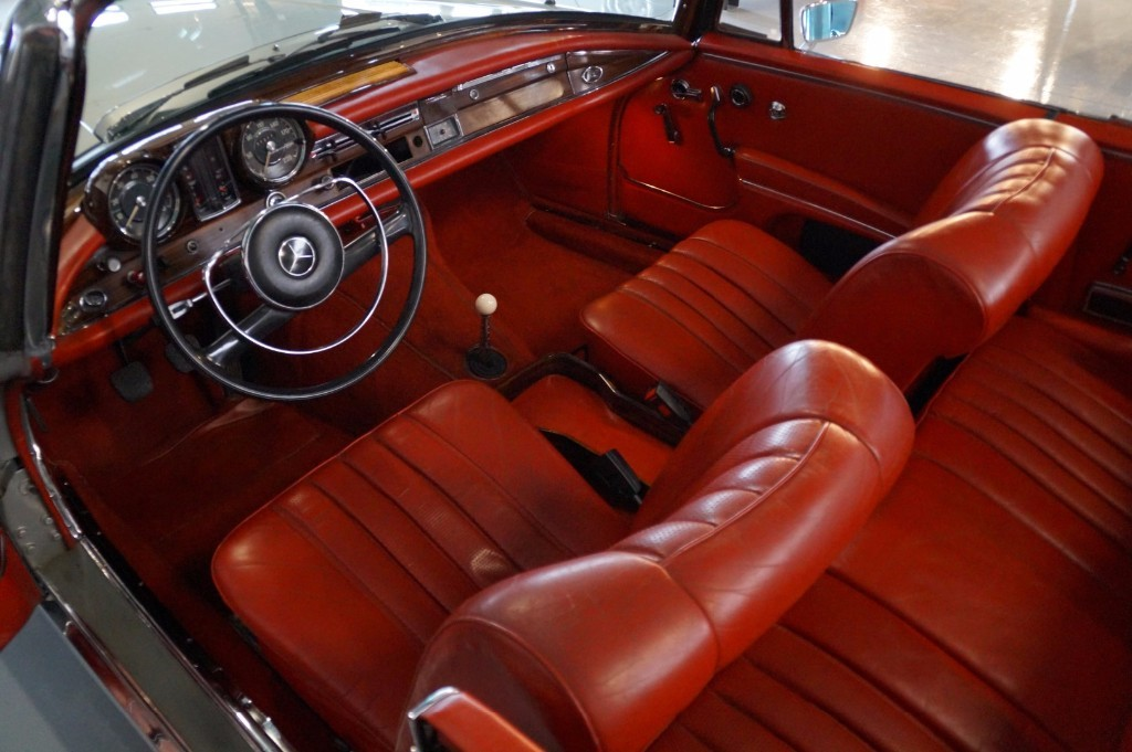 Buy this MERCEDES-BENZ 250 1967  at Legendary Classics (6)
