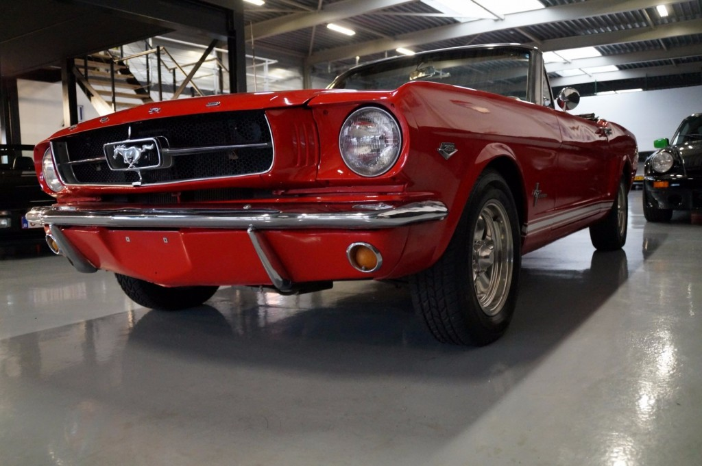 Buy this FORD MUSTANG 1966  at Legendary Classics (28)
