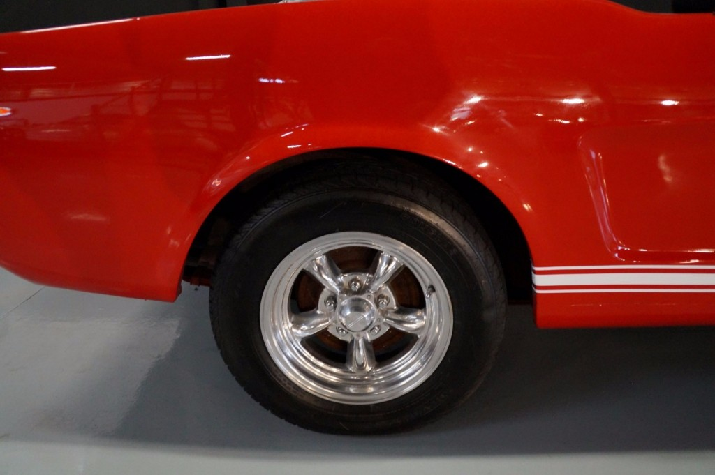 Buy this FORD MUSTANG 1966  at Legendary Classics (10)