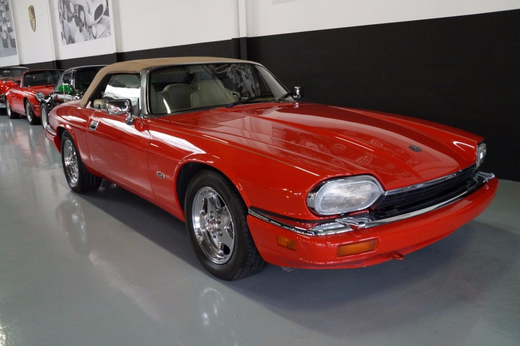 Buy this JAGUAR XJ-S 1995  at Legendary Classics (11)