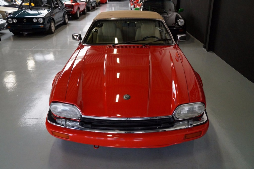 Buy this JAGUAR XJ-S 1995  at Legendary Classics (13)