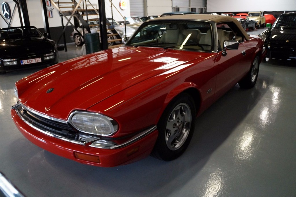 Buy this JAGUAR XJ-S 1995  at Legendary Classics (18)