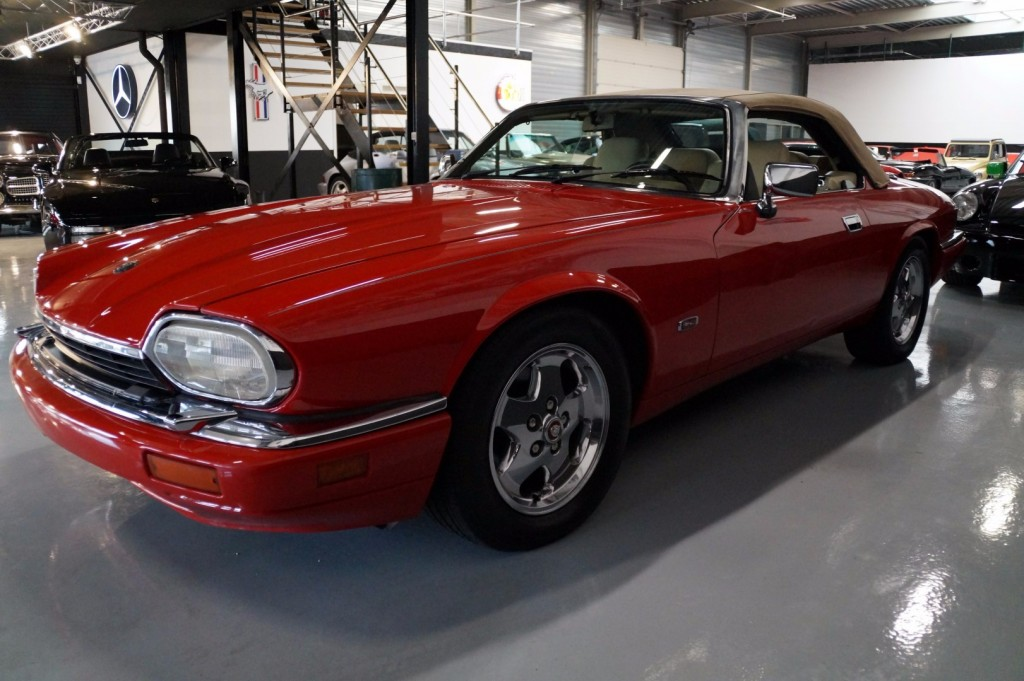 Buy this JAGUAR XJ-S 1995  at Legendary Classics (19)