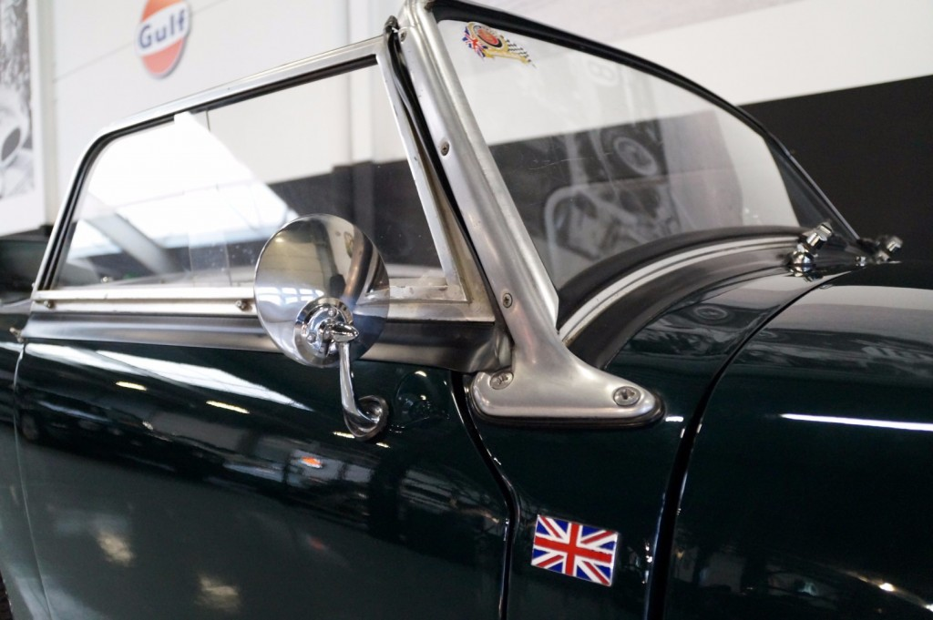 Buy this AUSTIN HEALEY SPRITE 1960  at Legendary Classics (13)
