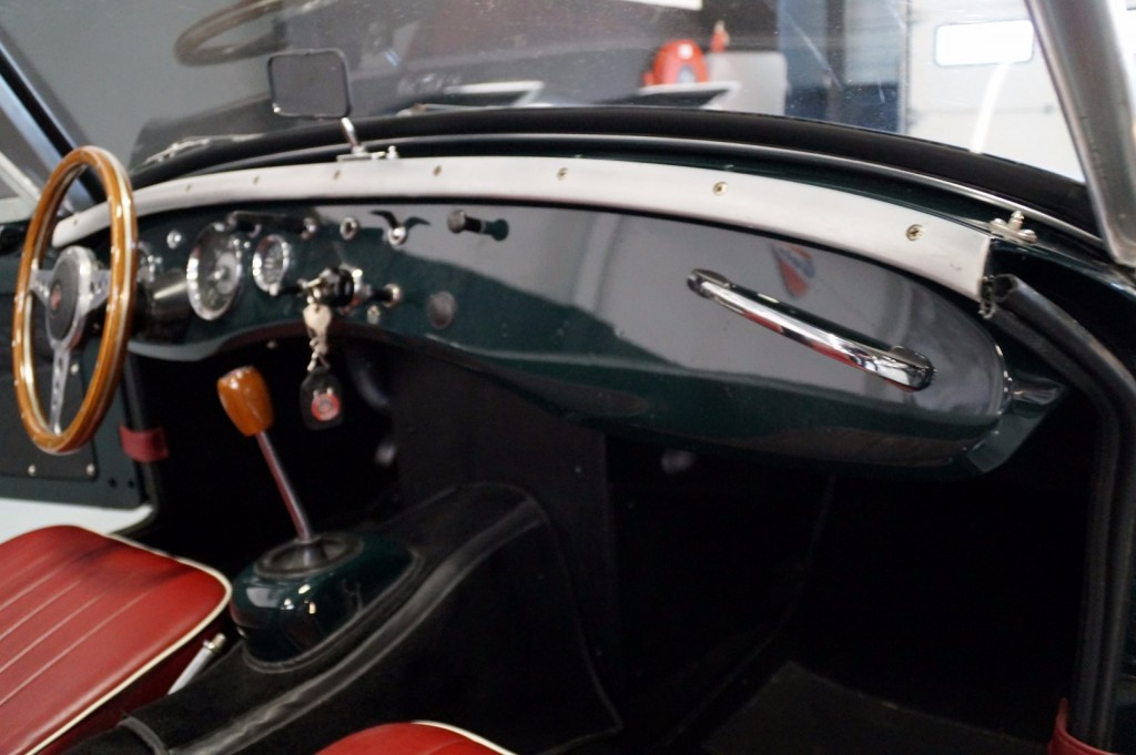 Buy this AUSTIN HEALEY SPRITE 1960  at Legendary Classics (26)