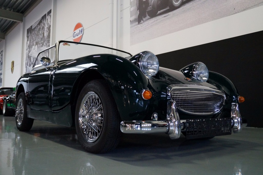 Buy this AUSTIN HEALEY SPRITE 1960  at Legendary Classics (35)