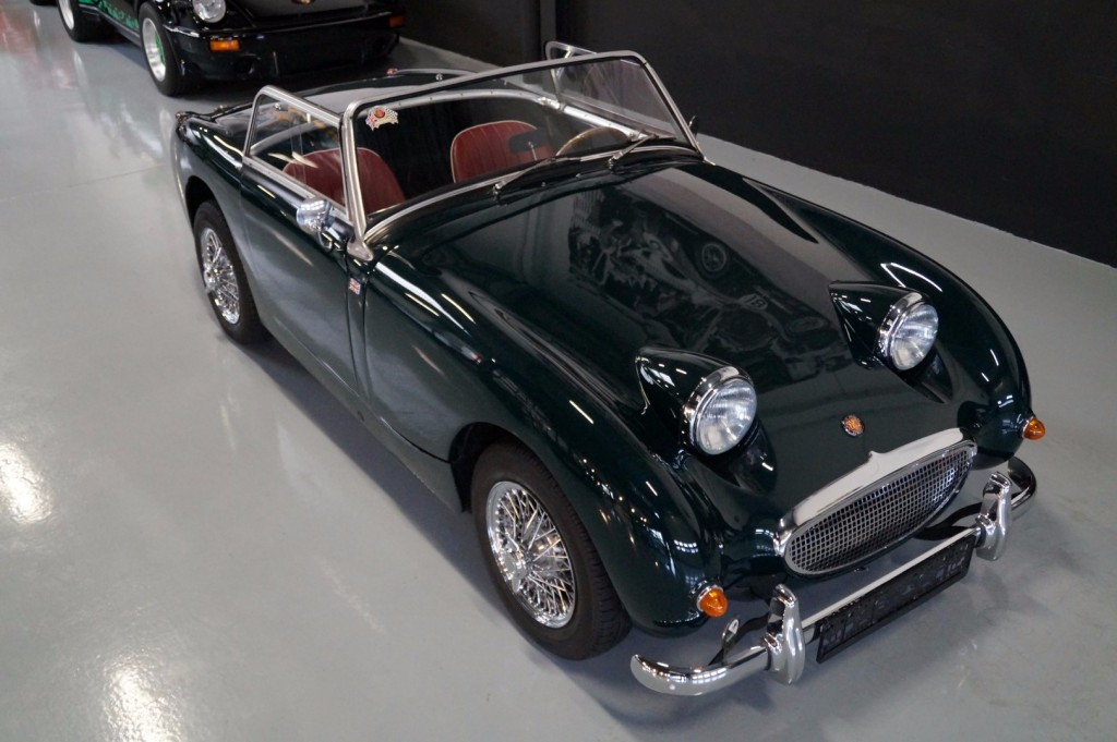 Buy this AUSTIN HEALEY SPRITE 1960  at Legendary Classics (37)