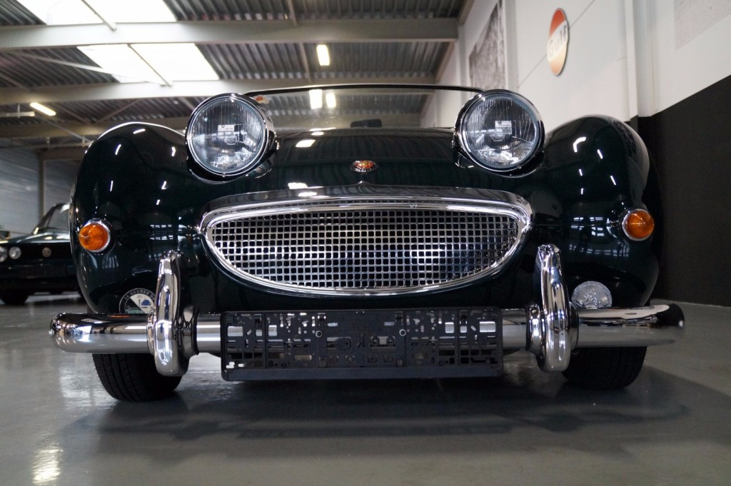Buy this AUSTIN HEALEY SPRITE 1960  at Legendary Classics (38)