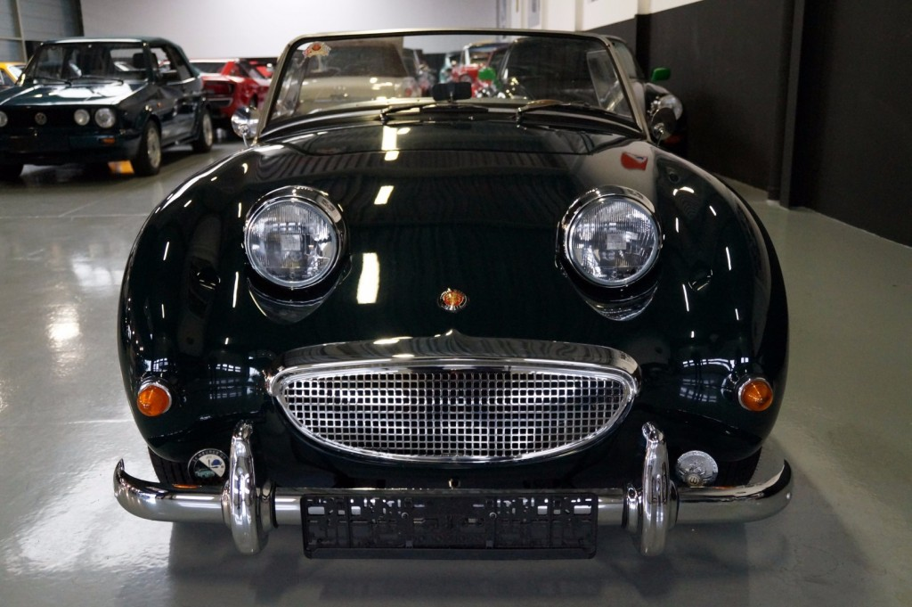 Buy this AUSTIN HEALEY SPRITE 1960  at Legendary Classics (39)