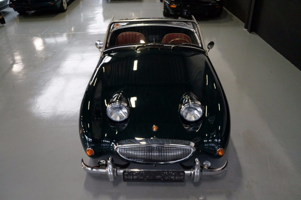 Buy this AUSTIN HEALEY SPRITE 1960  at Legendary Classics (40)