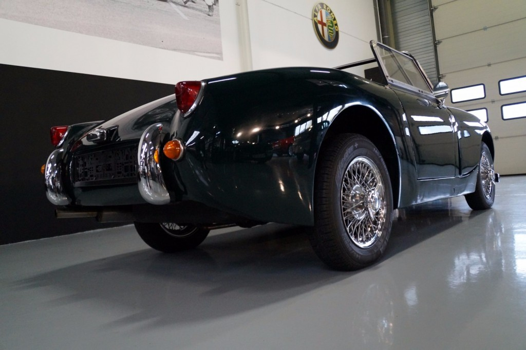 Buy this AUSTIN HEALEY SPRITE 1960  at Legendary Classics (41)