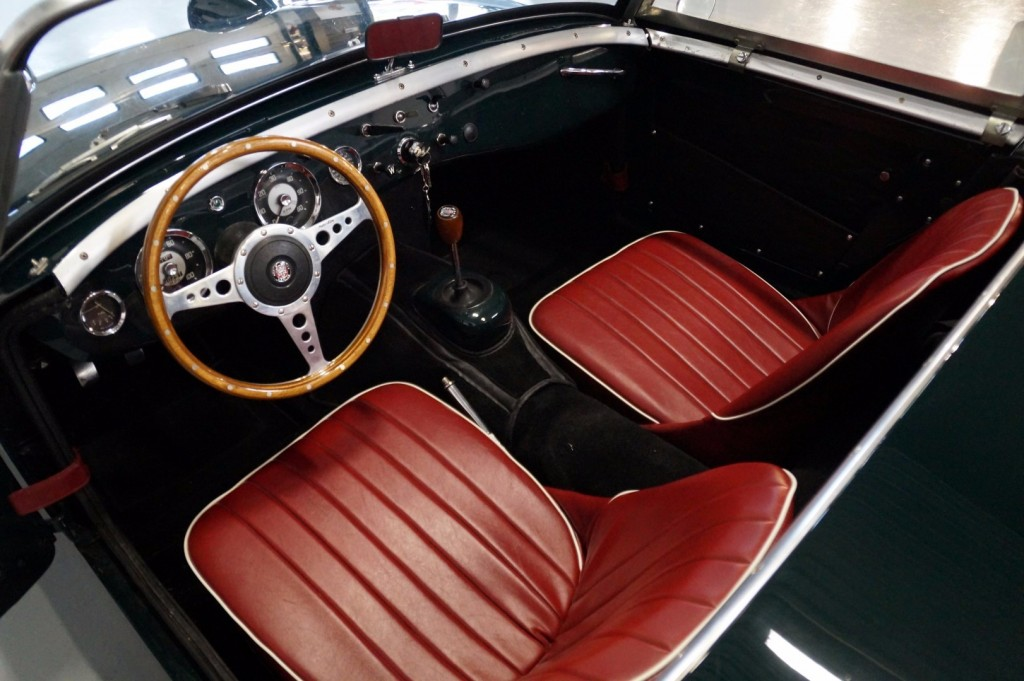 Buy this AUSTIN HEALEY SPRITE 1960  at Legendary Classics (7)