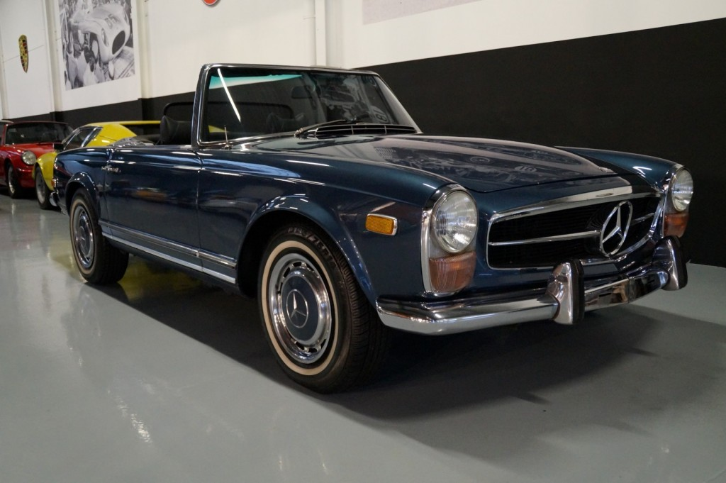 Buy this MERCEDES-BENZ 280 1971  at Legendary Classics (2)