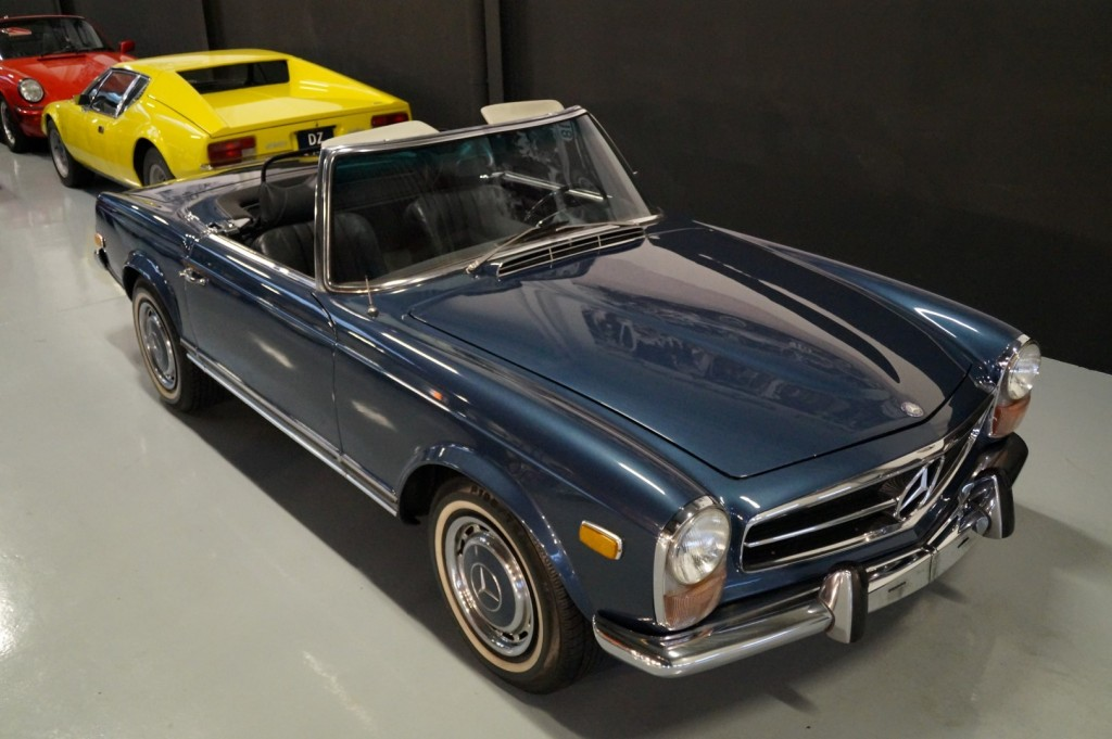 Buy this MERCEDES-BENZ 280 1971  at Legendary Classics (12)