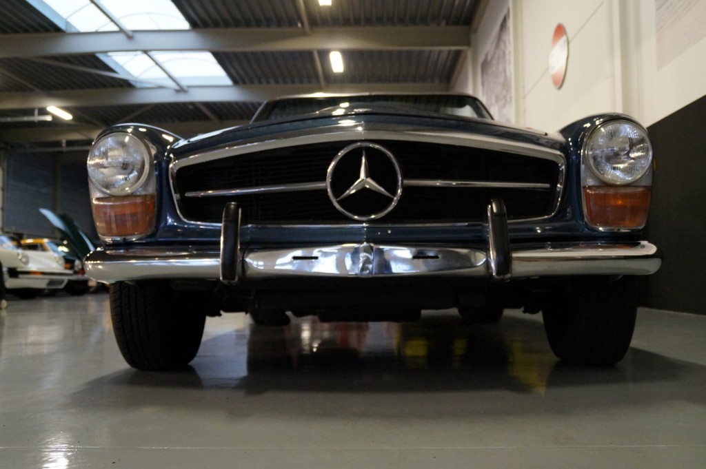 Buy this MERCEDES-BENZ 280 1971  at Legendary Classics (13)