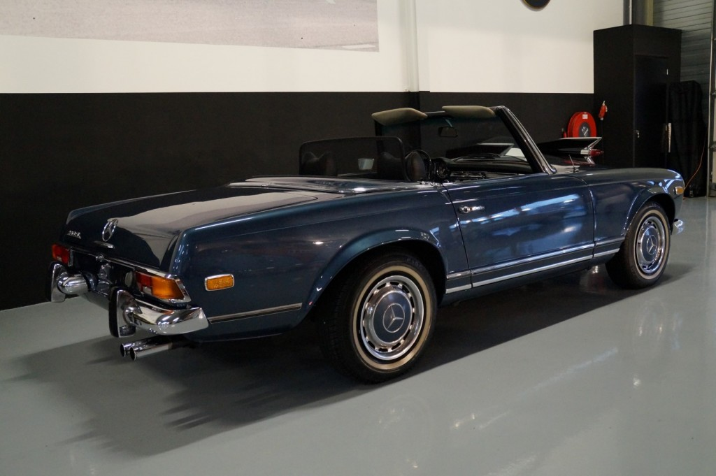 Buy this MERCEDES-BENZ 280 1971  at Legendary Classics (17)