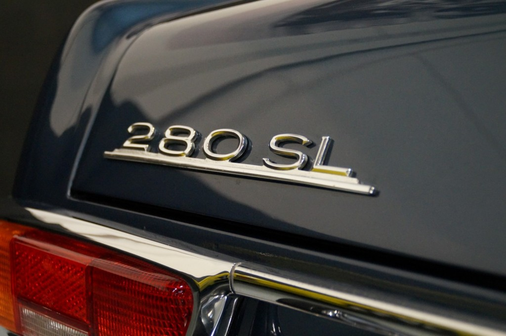Buy this MERCEDES-BENZ 280 1971  at Legendary Classics (18)