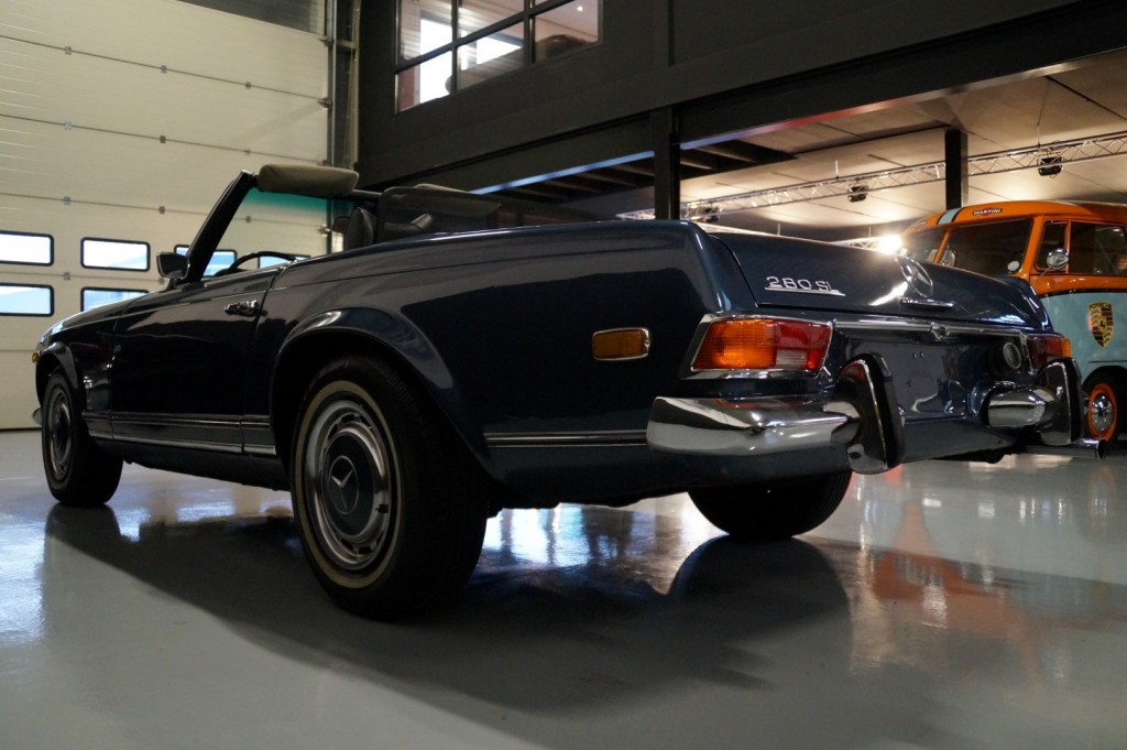 Buy this MERCEDES-BENZ 280 1971  at Legendary Classics (22)
