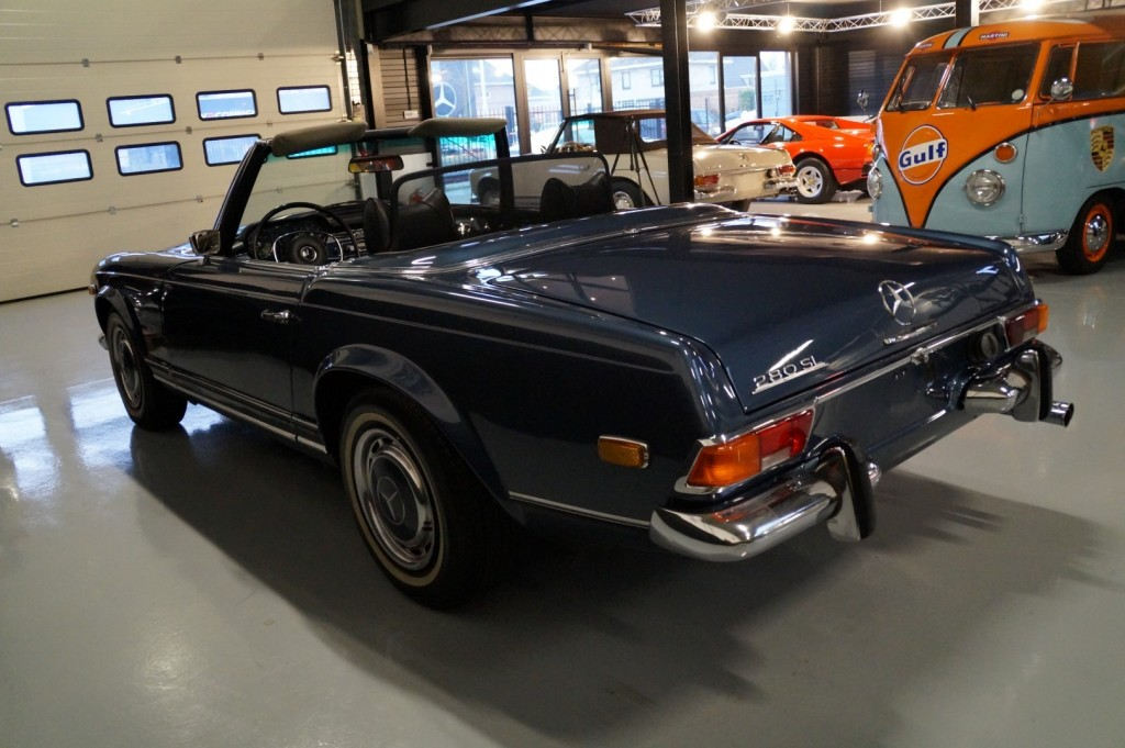 Buy this MERCEDES-BENZ 280 1971  at Legendary Classics (23)