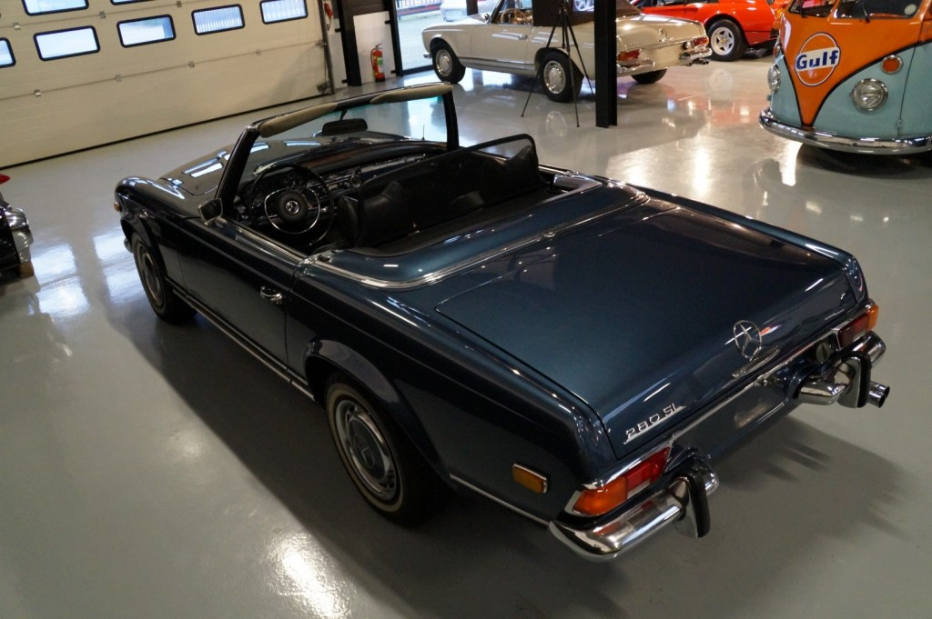 Buy this MERCEDES-BENZ 280 1971  at Legendary Classics (24)
