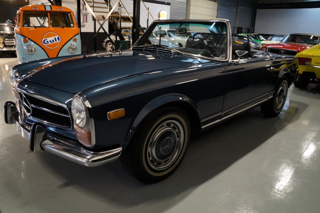 Buy this MERCEDES-BENZ 280 1971  at Legendary Classics (26)