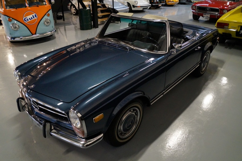 Buy this MERCEDES-BENZ 280 1971  at Legendary Classics (27)