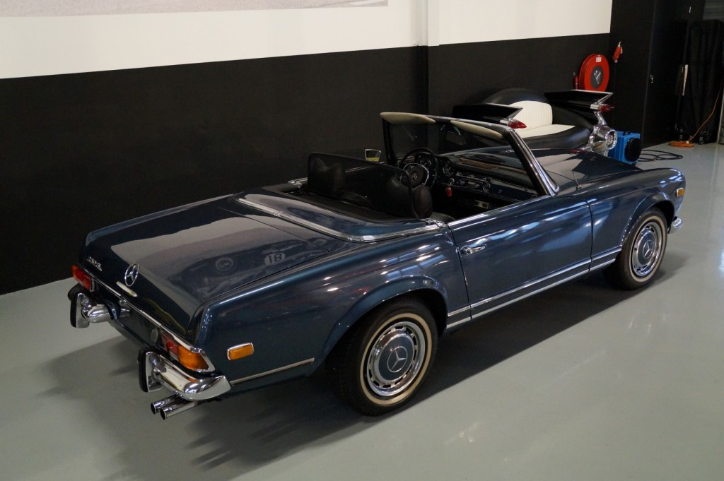 Buy this MERCEDES-BENZ 280 1971  at Legendary Classics (4)