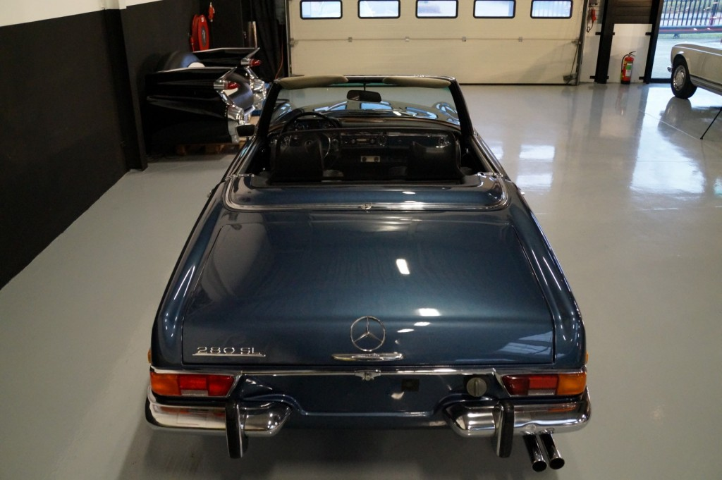 Buy this MERCEDES-BENZ 280 1971  at Legendary Classics (5)