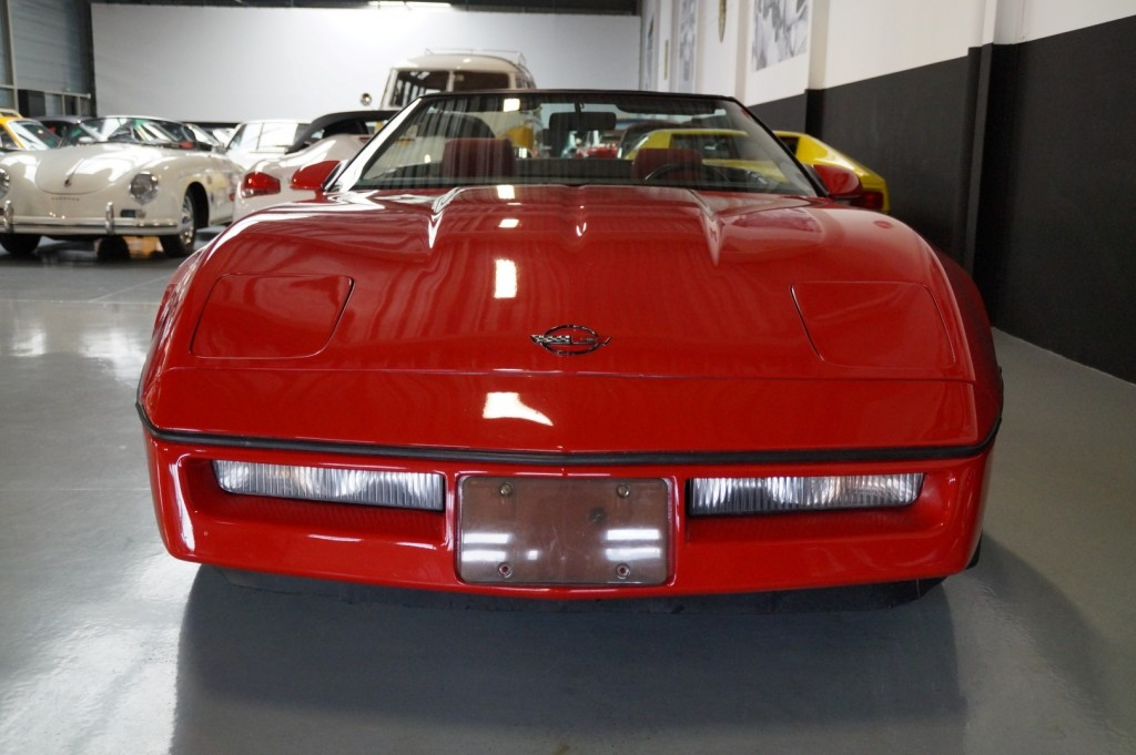 Buy this CHEVROLET CORVETTE 1986  at Legendary Classics (12)