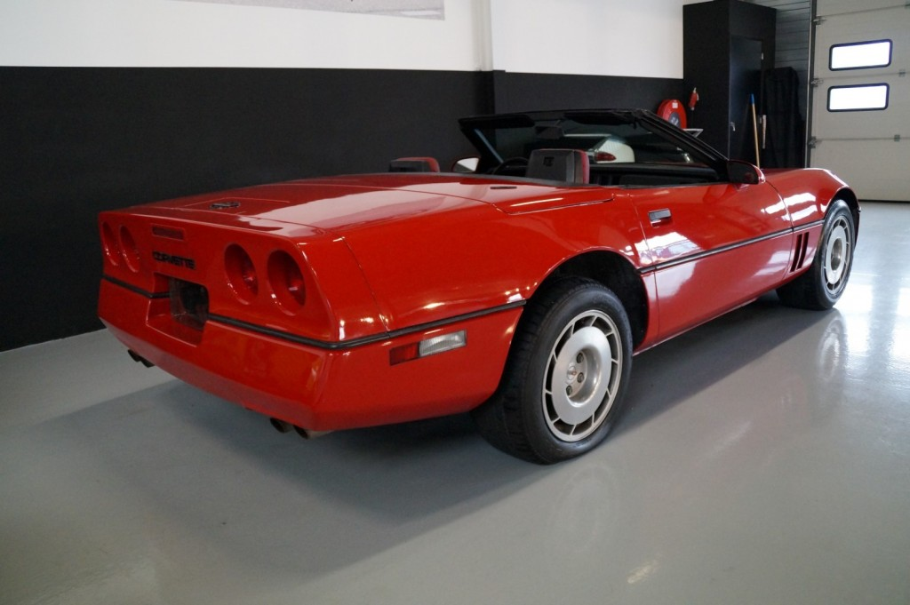 Buy this CHEVROLET CORVETTE 1986  at Legendary Classics (16)