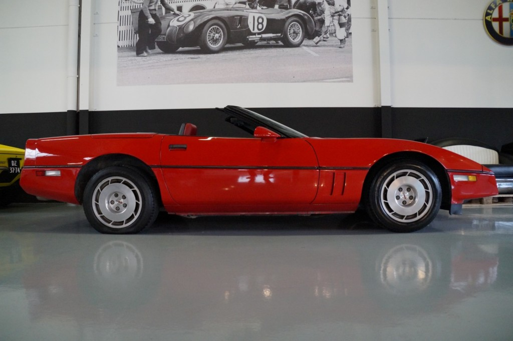 Buy this CHEVROLET CORVETTE 1986  at Legendary Classics (3)