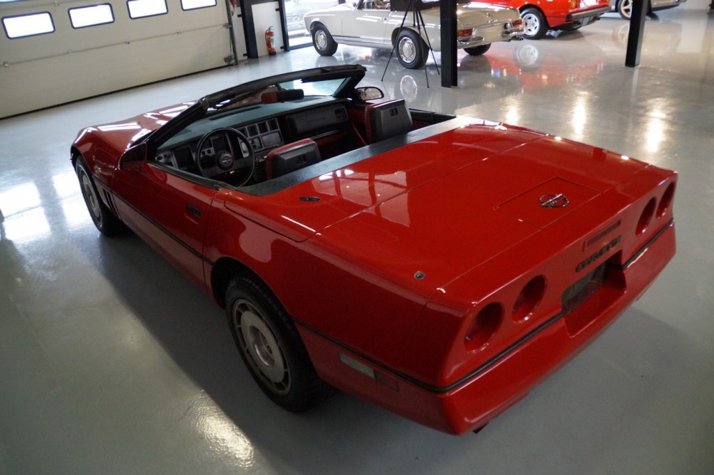 Buy this CHEVROLET CORVETTE 1986  at Legendary Classics (21)