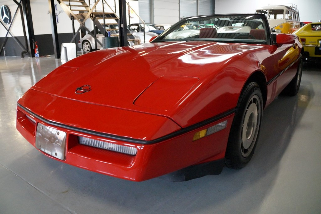 Buy this CHEVROLET CORVETTE 1986  at Legendary Classics (22)