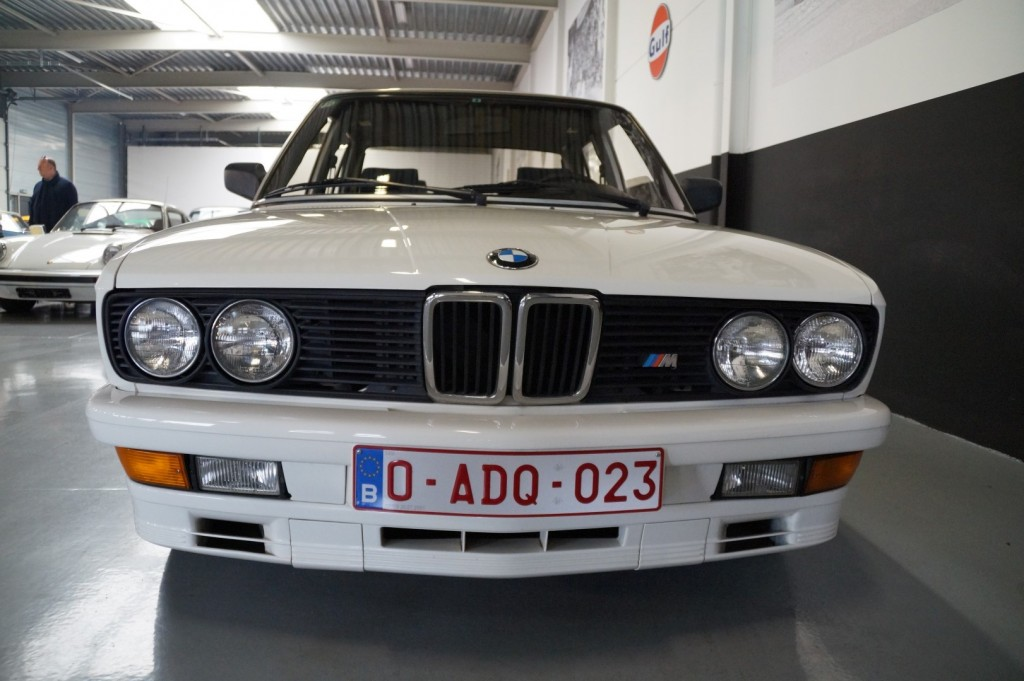 Buy this BMW 5-SERIE 1987  at Legendary Classics (11)