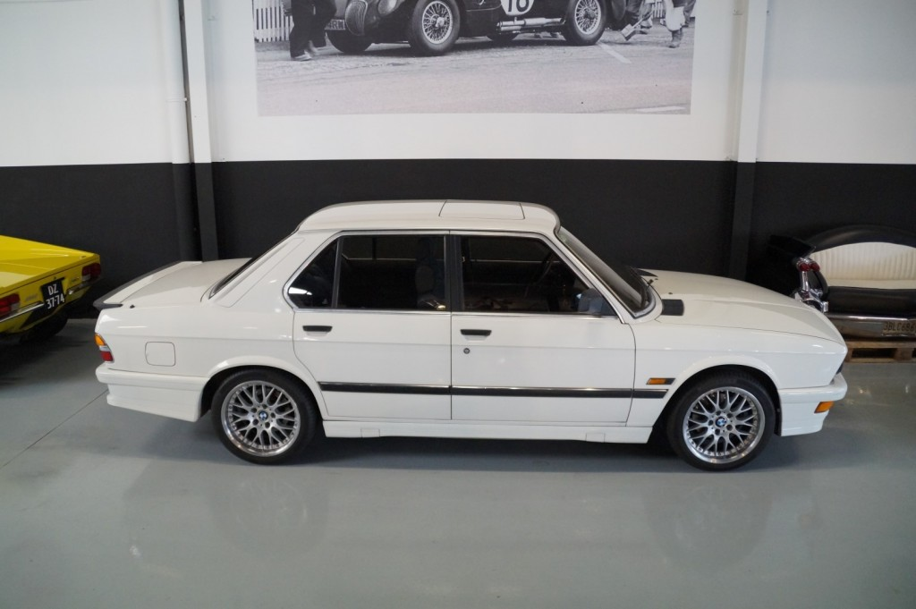Buy this BMW 5-SERIE 1987  at Legendary Classics (13)