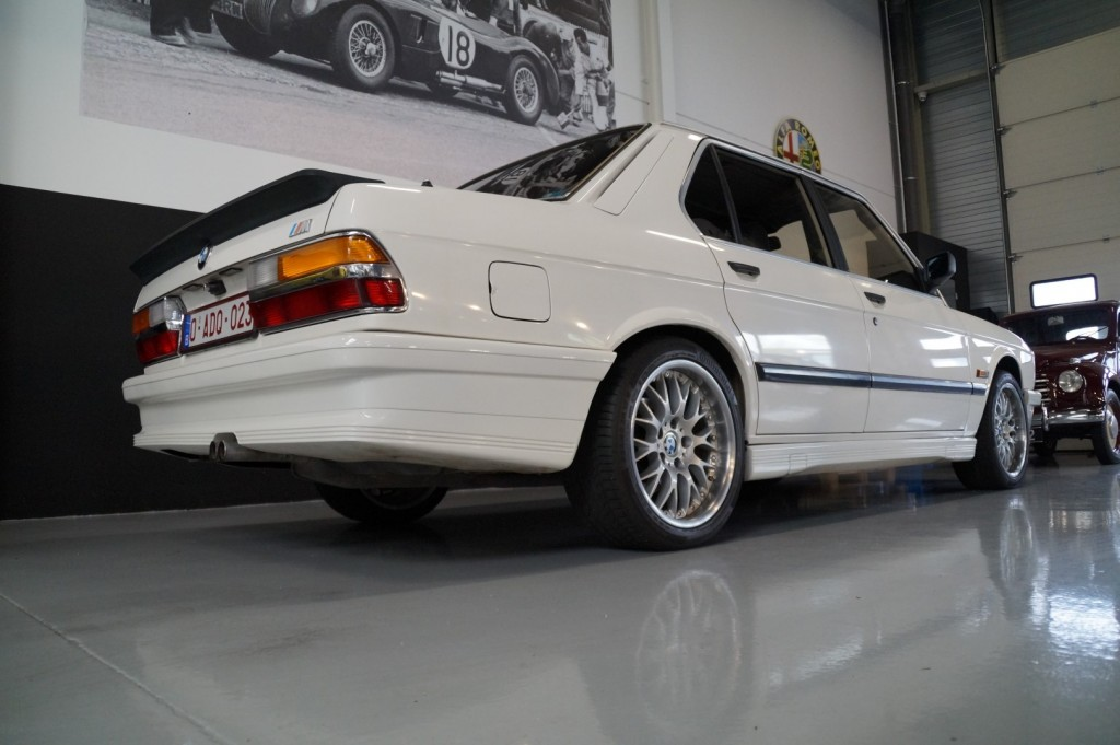 Buy this BMW 5-SERIE 1987  at Legendary Classics (14)