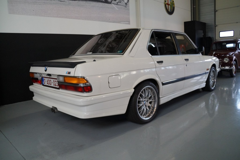 Buy this BMW 5-SERIE 1987  at Legendary Classics (15)