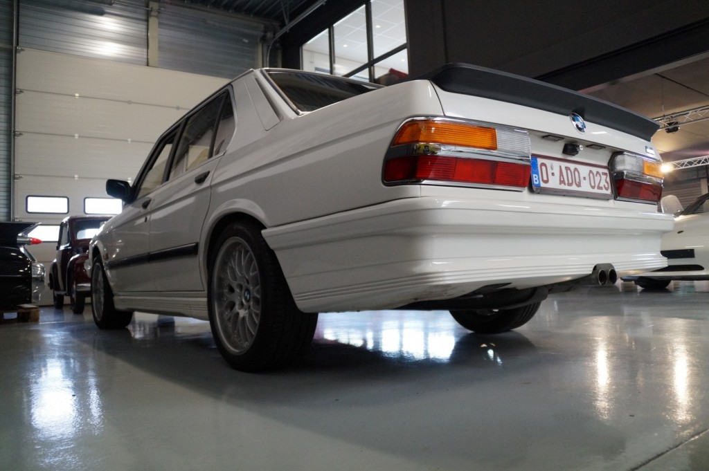 Buy this BMW 5-SERIE 1987  at Legendary Classics (17)