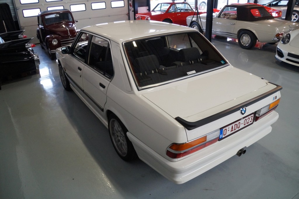 Buy this BMW 5-SERIE 1987  at Legendary Classics (19)