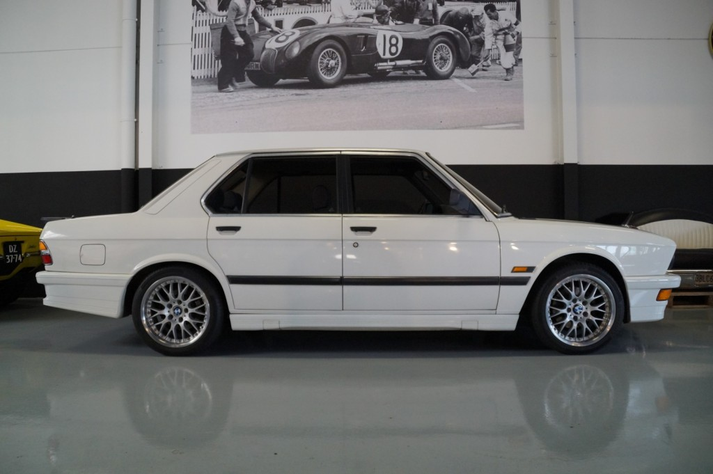 Buy this BMW 5-SERIE 1987  at Legendary Classics (3)