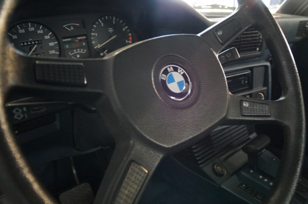 Buy this BMW 5-SERIE 1987  at Legendary Classics (28)